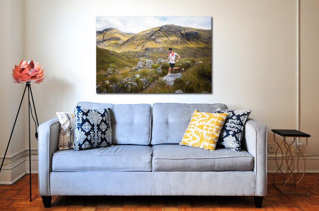 Kilian Jornet na Glen Coe Skyline. Prodej fotoobrazů Dlouhá Trať, Fotograf Lukáš Budínský, podpora Mamma HELP