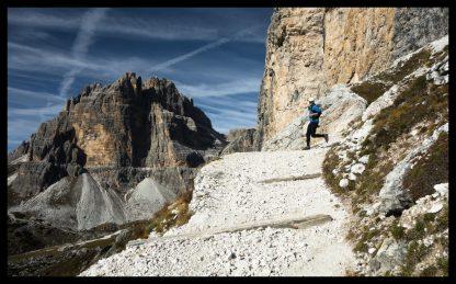 Běh v italských Dolomitech. Prodej fotoobrazů Dlouhá Trať, Fotograf Lukáš Budínský, podpora Mamma HELP
