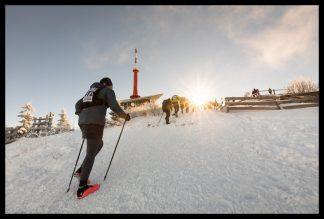 Západ slunce na Lysé Hoře při závodě LH24. Prodej fotoobrazů Dlouhá Trať, Fotograf Lukáš Budínský, podpora Mamma HELP