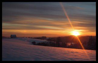 Západ slunce na Valašsku. Prodej fotoobrazů Dlouhá Trať, Fotograf Lukáš Budínský, podpora Mamma HELP